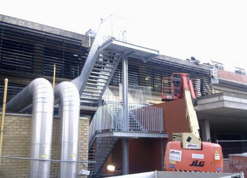 metalen trappen, trappentorens en balustrades